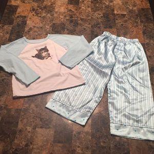 Size 5t cat pajamas!